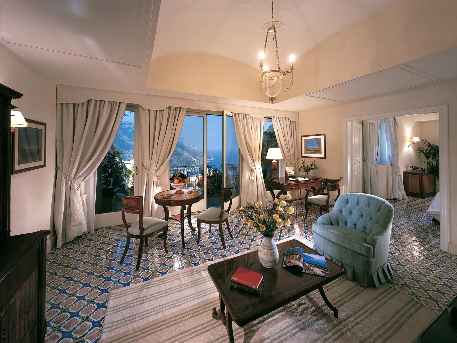 arredamenti di lusso made in italy per ville hotel e