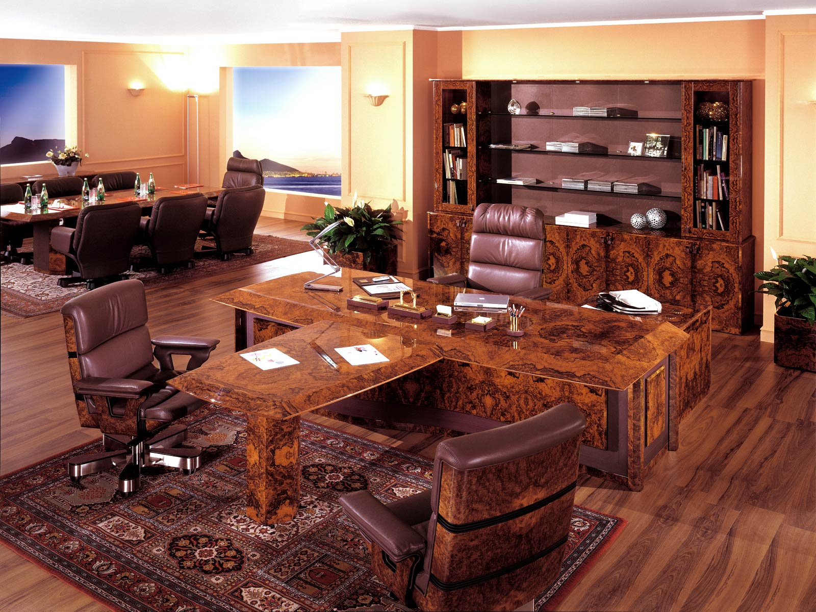 Executive and presidential luxury office r a mobili for Mobili per studio legale