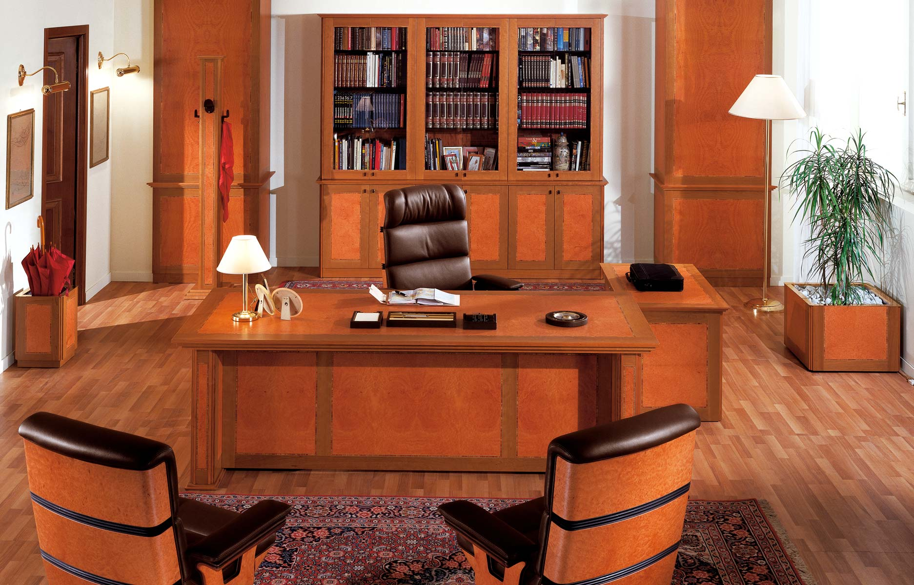 Uffici dirigenziali e presidenziali di lusso r a mobili for Mobili studio legale