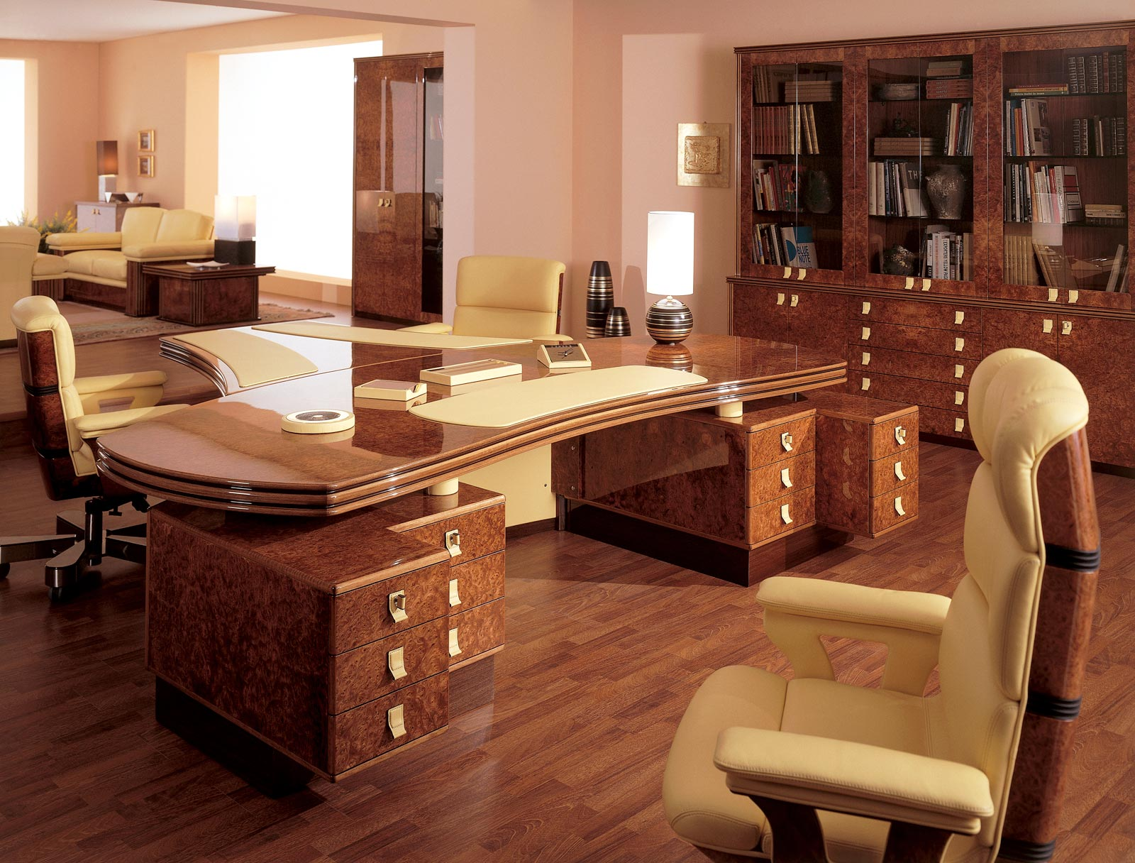 Executive and presidential luxury office r a mobili for Design di mobili per cabina ufficio